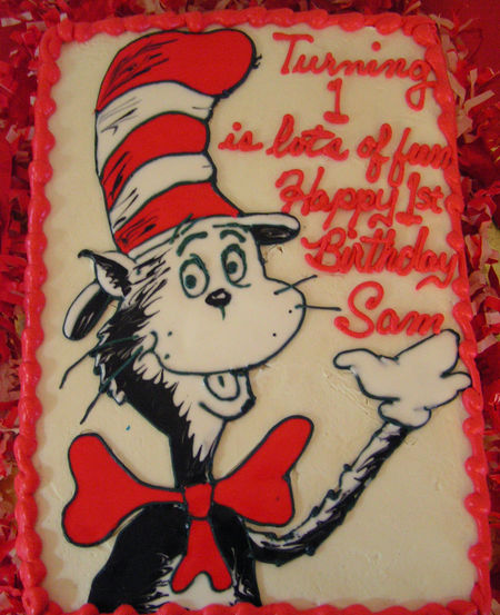 cat in a hat cake. And a Cat in the Hat cake!