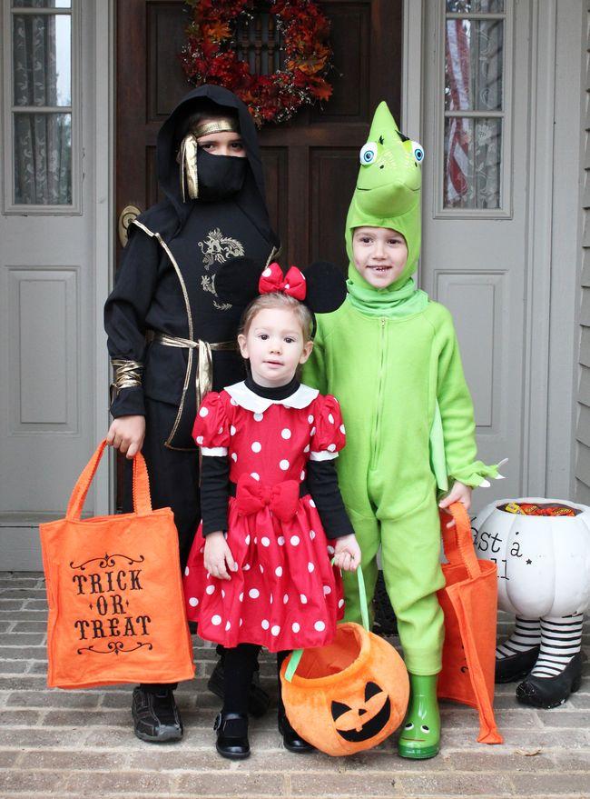 Singarella's on Halloween