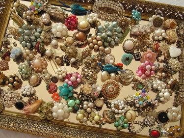 Flea_market_jewels