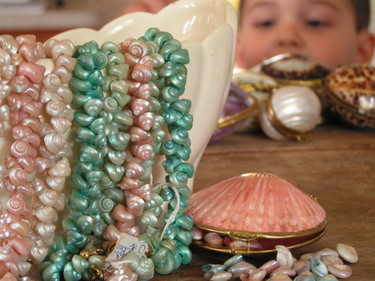 Seashell_necklaces