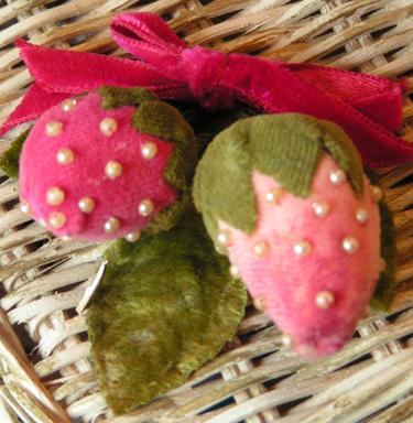 2velvetstrawberries