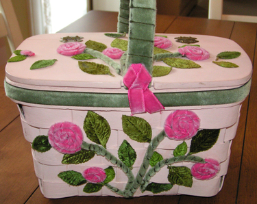 Pinkbasketwithroses