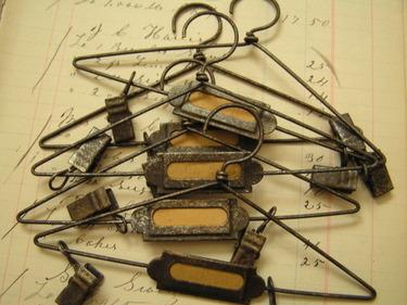 Mini_hangers