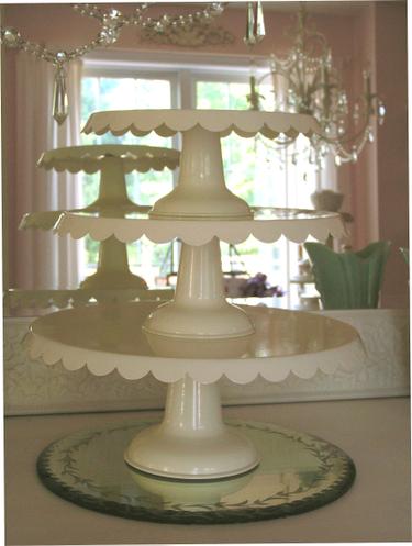 Enamel_cake_plates