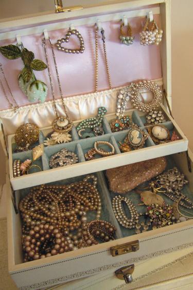 Jewelry_goodies_2_2