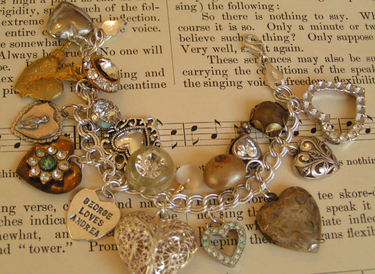 Heart_charm_bracelet_2