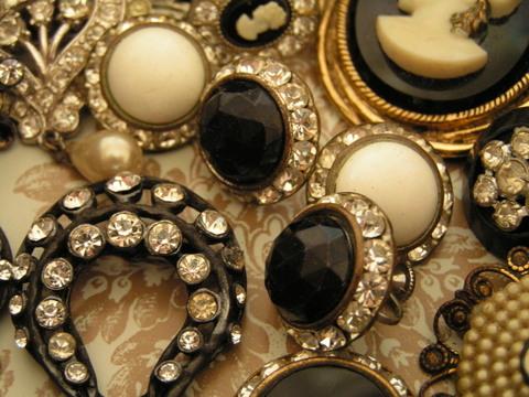 Jewelry_case_3