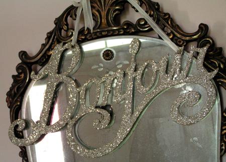 Bonjour_on_mirror
