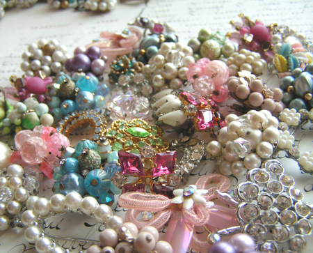 New_vintage_baubles