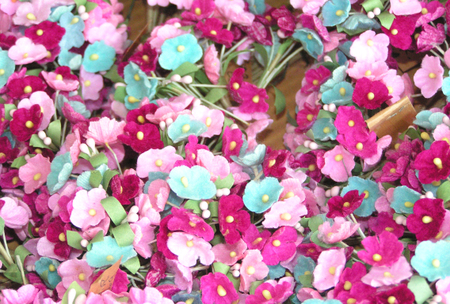 Pink_blue_and_plum_posies